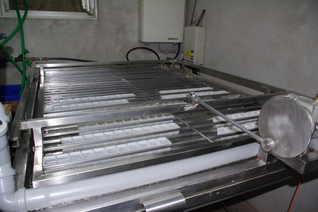 Abbildung 4: Brutmaschine für die Flusskrebseier.
